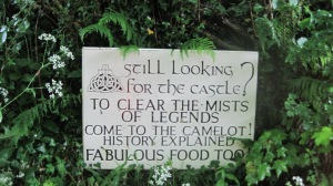 I just liked this sign, which is at the base of the path leading up to the castle. The inn is just across the street.