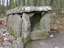 Portal Tomb byBy KHoffmanDC via Wikimedia Commons